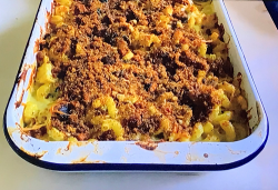 Jamie's traybake cauliflower mac n cheese with fennel and leeks on Jamie: Keep Cooking and ...