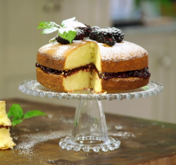 James Martin duck eggs Victoria sponge with homemade blackberry jam on James Martin's Isla ...