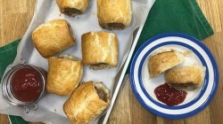 John Torode's sausage rolls with spinach and  ricotta on This Morning