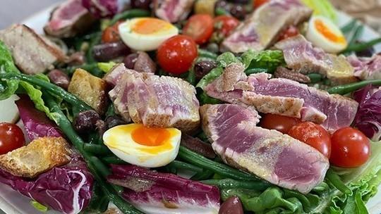 James Martin's summer salad nicoise on This Morning