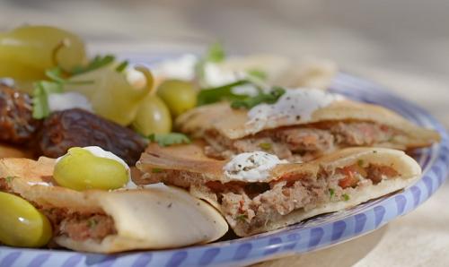 Ainsley Harriott's Jordanian Arayes ( beef pita pockets ) on Ainsley's Mediterranean ...