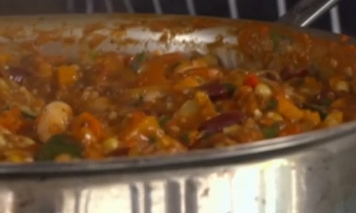 Nick Nairn and Dougie Vipond's vegetarian chilli with beans and chocolate  on The Great Fo ...