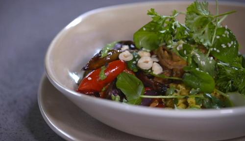 Nick Nairn and Dougie Vipond' s Buddha bowl with cauliflower rice and onion bhajis on The Great  ...