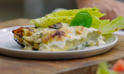 Jamie's meat free cannelloni with mushrooms, green vegetables and salad on Jamie: Keep Coo ...