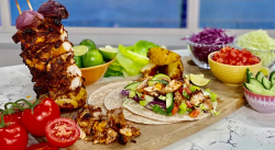 Alison Hammond's guilt-free chicken kebabs on This Morning