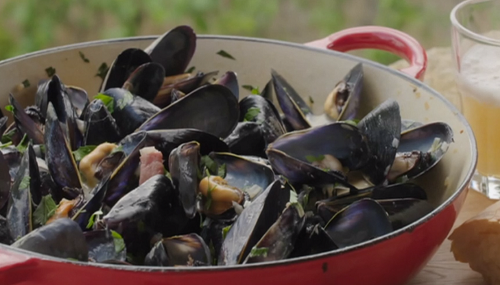 Rick Stein mussels with Normandy butter, lardons, creme fraîche and cider on Saturday Kitchen
