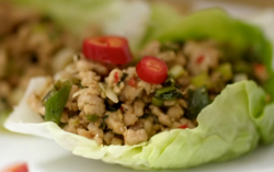 Aliyah ahmed's Thai larb gai cups in lettuce leaf salad on Eat Well for Less?