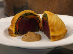 James Martin beetroot pithivier with spinach, mushrooms and carrots on James martin's Satu ...