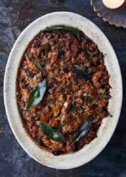Jamie Oliver apricot and sausage stuffing with clementines, dried apricots and Vin Santo on Jami ...
